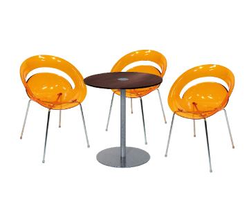 Location fauteuils et table ensemble 3 x slim orange 1 - Location mobilier salon professionnel ...