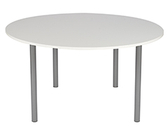 Location de mobilier : location table QUIMPERLE